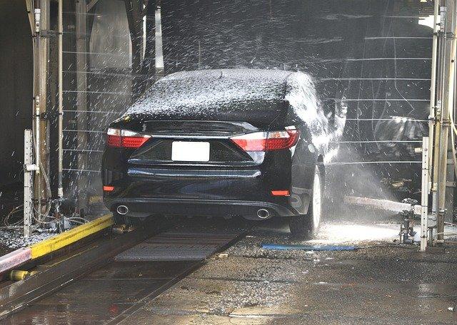 Jakie myjnie samochodowe w Bydgoszczy poleca AutoDave?
