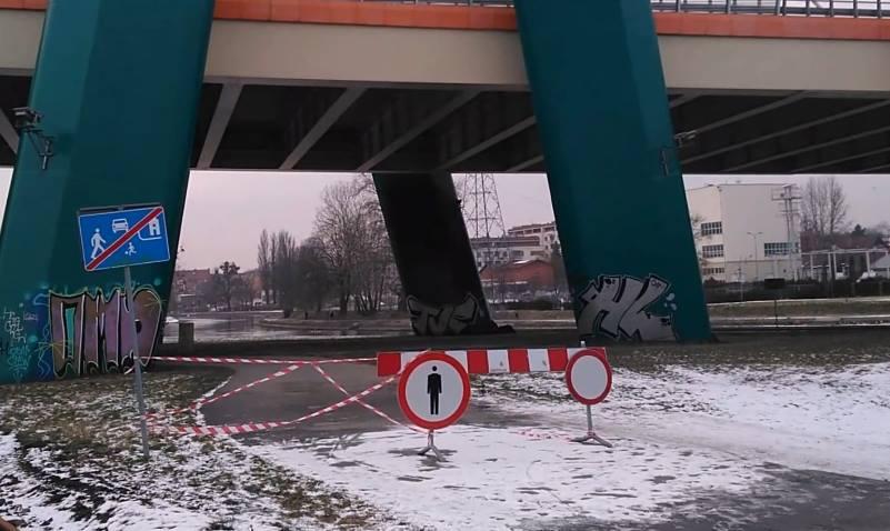 uszkodzony most w Bydgoszczy